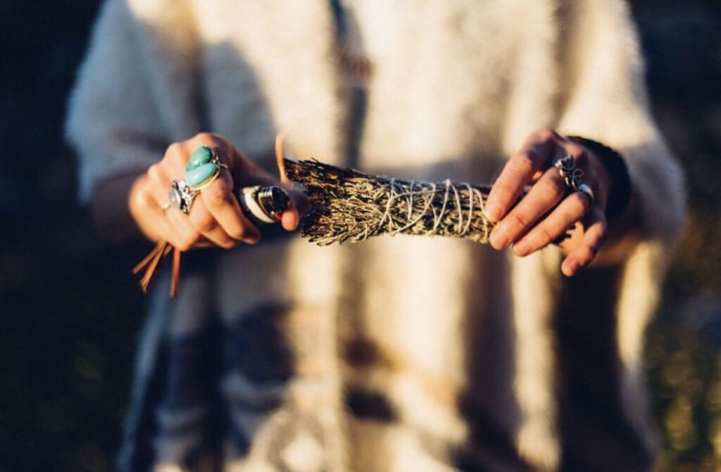 Smudging – 8 Plants To Use For Spiritual Cleansing
